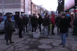Грубое задержание журналиста после прогулки «Димон ответит»