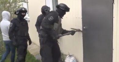 Обыски в Георгиевске обернулись уголовным преследованием троих верующих.